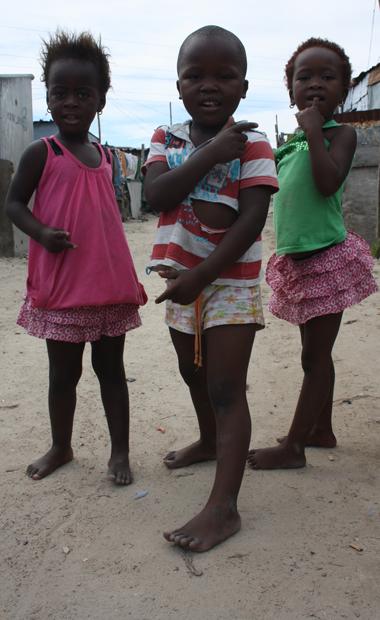 Pampersgang: In Townships rennen überall Kinder herum (Foto: Buzzingcities.com)