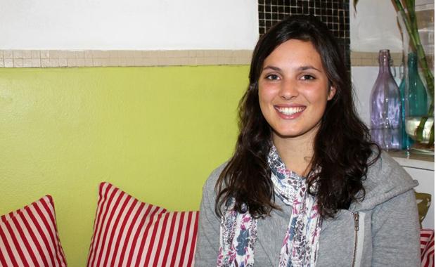 Julia Taylor ist in einer weißen Welt aufgewachsen - für sie war das völlig normal (Foto: Buzzingcities.com/Julia Jaroschewski).